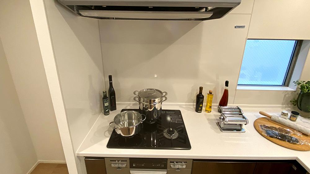 ネクストステージ旗の台の3口グリル付ガスキッチン