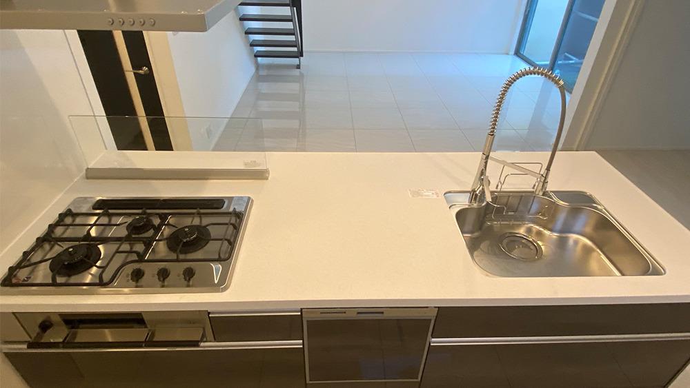 二葉三丁目新築戸建てのキッチン(ワークトップを上部から撮影)