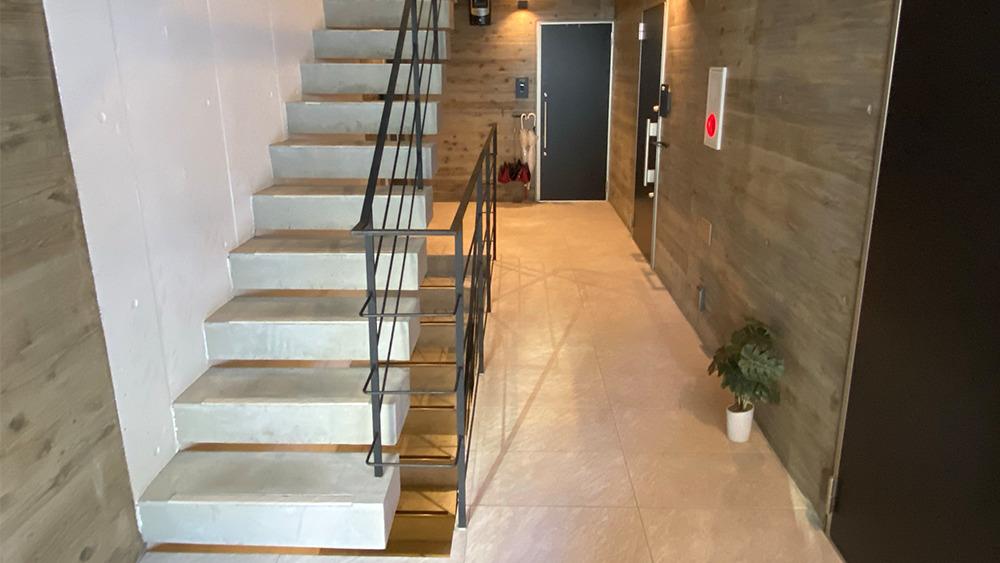 ステラ北千束の階段です