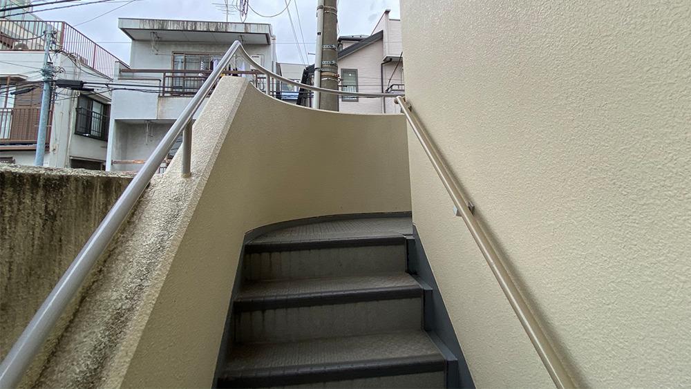 タウンハイツ上池台の階段