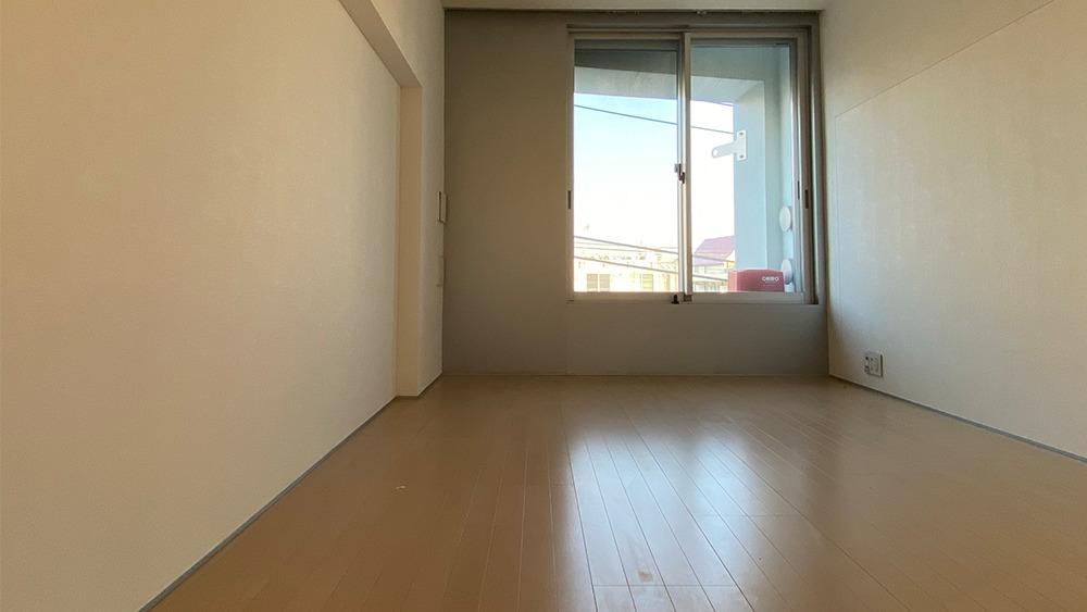GRAVASENZOKUの6.8帖の洋室